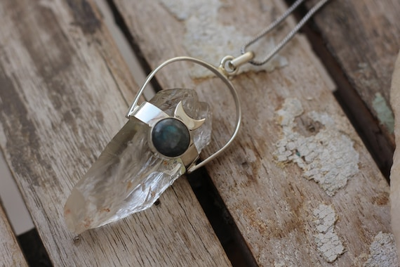 ORGANIC QUARTZ NECKLACE - Labradorite Moon Necklace - Raw Quartz - Moon Jewellery - Gemstone - Powerful - Sterling silver - Chakra - Reiki