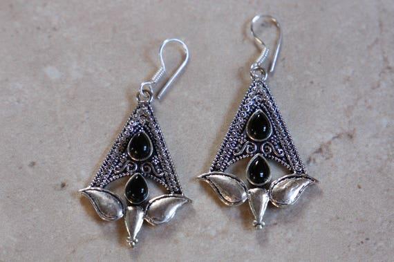 BLACK ONYX EARRINGS - Oxodised Silver Earrings - Onyx - Healing Crystal Jewellery - Chakra Earrings - Vintage - Gemstone - Crystal - Gift
