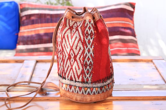 VINTAGE KILIM BAG - Large Hippie Bag - Festival Duffle Bucket Bag - Aztec Bag - Vintage Leather Shoulder bag - Unique Carpet bag - Navajo