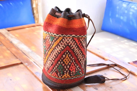 MOROCCAN BUCKET BAG - Embroidered ethnic bag - Hippie - Duffle Bag - Kilim - Aztec Bag - Vintage Shoulder bag - Unique Carpet bag - Navajo
