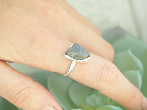 NATURAL LABRADORITE RING - Sterling silver 925 - Natural Crystal - Rough Raw Crystal - Glowing iridescent Gem - Moonstone - Throat chakra