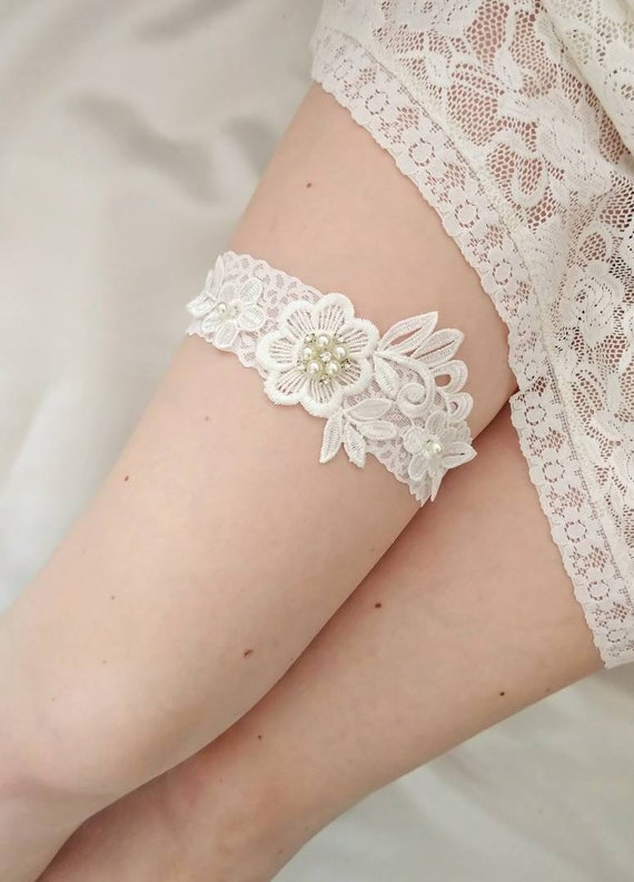 wedding lace garter,Ivory Lace Garter keepsake Garter only Wedding Garter bridal garter