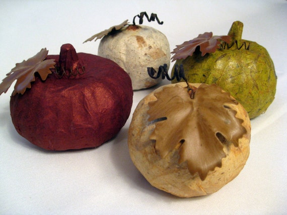 Paper Pumpkin Decor with Metal Leaves Set (4) - Copper, Green, Ivory, Golden