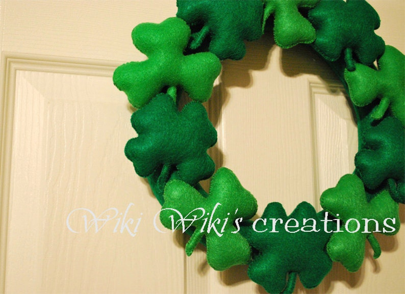 st.patricks day wall decor felt clover felt shamrock clovers shamrocks Shamrock Wreath