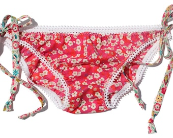 Ladies Liberty print cotton KNICKERS with pretty elastic trim and contrast functional printed ties in size 8