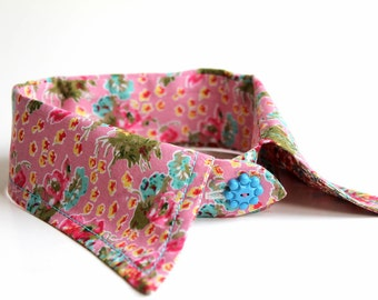 pretty detachable floral print fabric COLLAR with cute vintage button trim