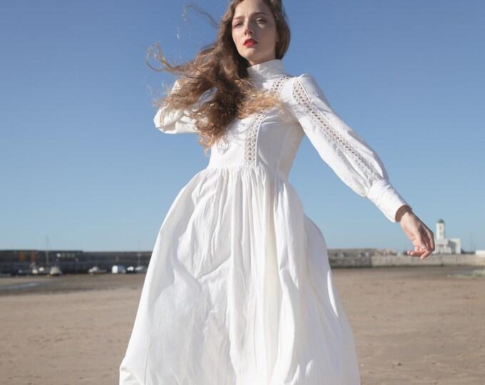 Vintage vtg 1970s 70s 1974 Laura Ashley Cotton Wedding Prarie Dress Victoriana Maxi Dress Crochet Puff Sleeves 30 waist
