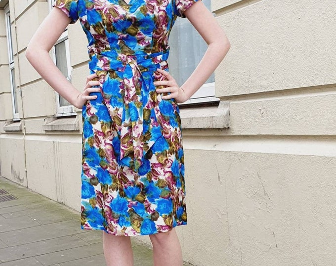 Vintage 1950s 50s Wool Mix Floral Wiggle Dress with Swagger Front. Mad Men Style . Rose Print . XS UK 6