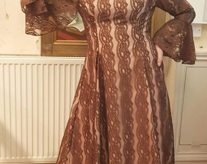 Vintage 1960s Brown Lace Knee length Dress With Flounce Sleeves M