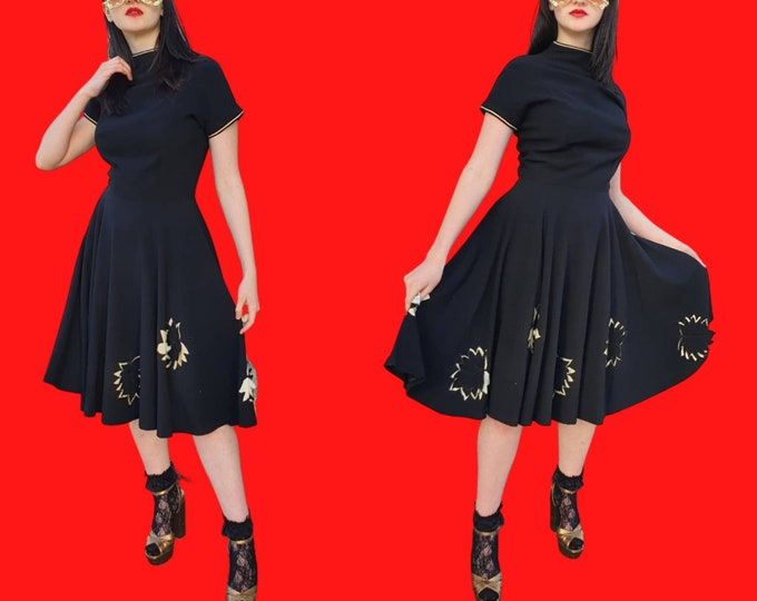Beautiful Luxe Vintage 1950s Black Full Circle Skirt Dress with Incredible White Leaf applique Detail M UK 10