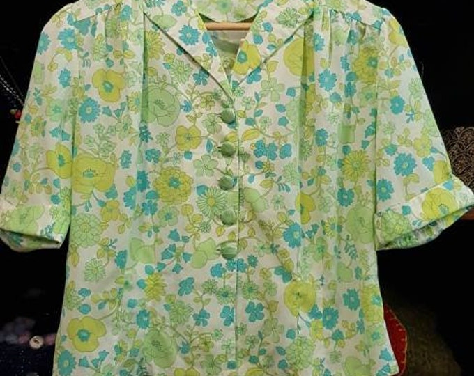 Pretty handmade vintage 60s floral short slv blouse statement buttons L