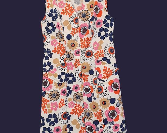 Classic Vintage 1970s 1960s Crimplene  Vibrant Flower Power Print Zip Front Mod Dress M  L Pockets knee length