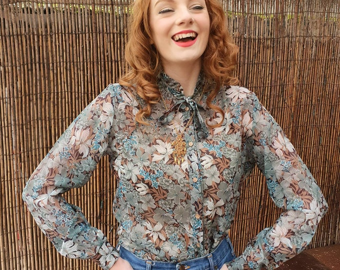Vintage 1970s 70s Floral Piecrust Collar Semi Sheer Blouse by Butteknit size M