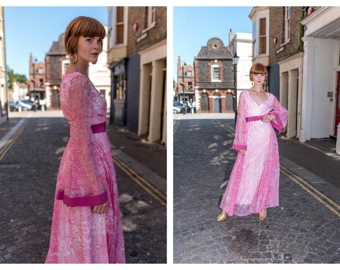 Vintage 70s Bubblegum Pink and White Pretty Jean Varon Floaty Maxi Dress Trumpet Sleeve 26 waist