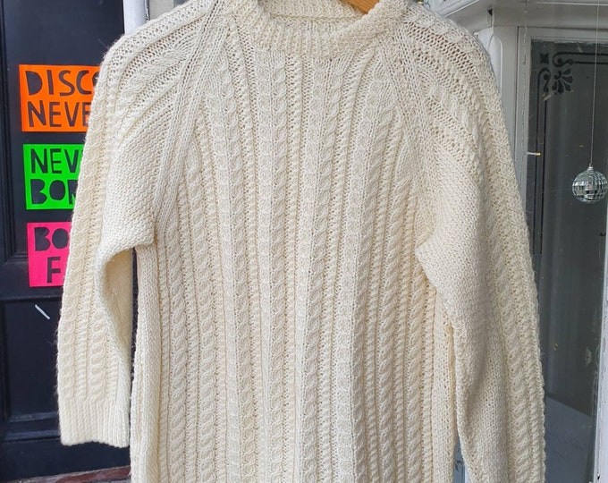 Gorgeous Vintage Hand Knitted Cream Aran Cable Knit Pure New Wool Jumper  Unisex M- L
