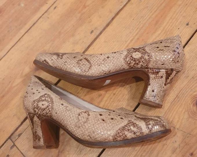 Beautiful vintage 1940s 40s Python Snakeskin Snake Skin  Court Shoes size uk 5 38