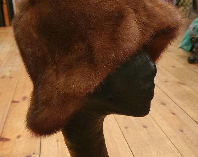 Beautiful vintage 1960s Chestnut Mink Real Fur Bucket Hat M Vtg 60s