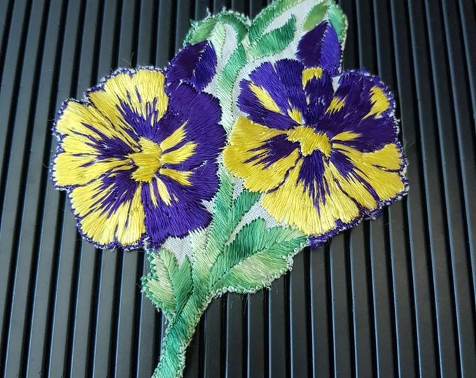 Vintage 1930s Turmac CA silk applique Purple and Yellow Art Nouveau  Pansy  Flower Patch Medium