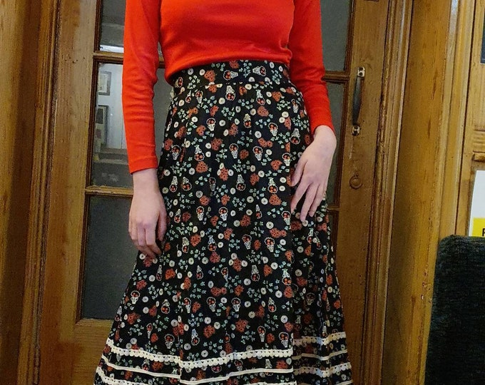 Vintage VTG  1970s 70s Vibrant Floral Celia Birtwell Style Print Cotton Folk Midi A Line Skirt with Linen Trim and Pockets S 26 inch Waist