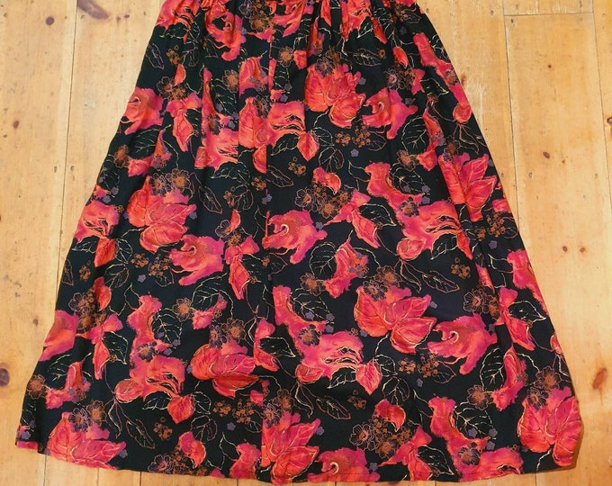 Vintage 1980s Dorothy Perkins Classic Red and Black Midi Skirt L.
