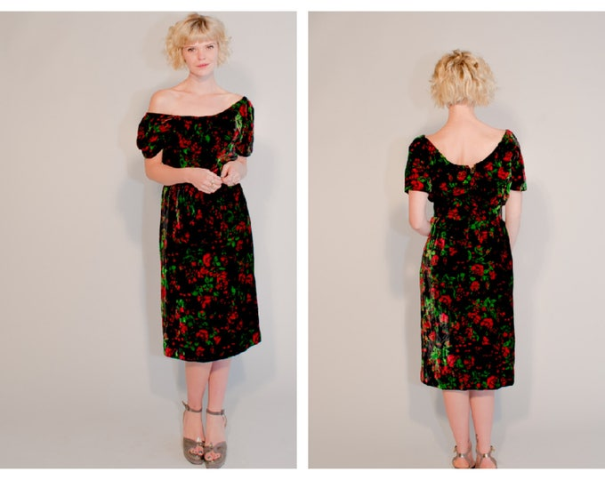 Gorgeous Susan Small Vintage late 50s Early 60s Black Velvet FLORAL R Print cocktail wiggle dress S M