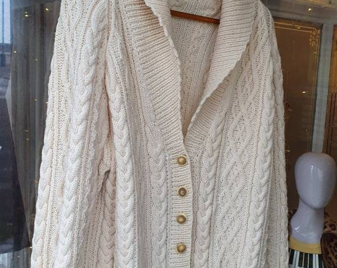 Chunky Vintage 1980s 80s Hand Knitted Pure New Wool Cream Aran Cable Knit Irish Fisherman Jumper Oversized  Unisex Cardigan L XL XXL