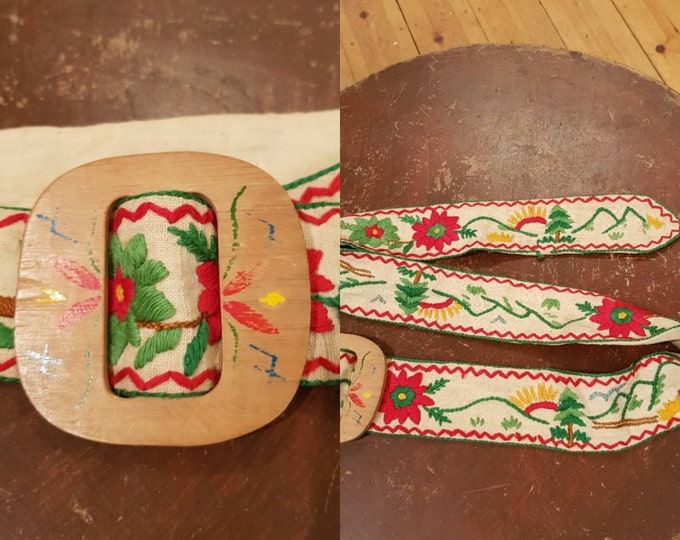 Beautiful 1930s 30s Vintage Hand Painted and Embroidered Linen Belt Wooden Buckle S M Folk Hungarian Peasant