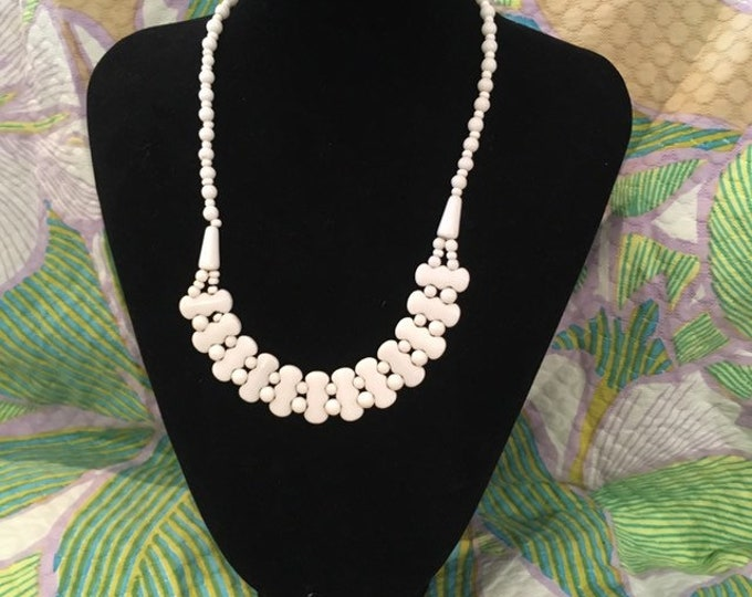 Unusual vintage 1950 Strung White milk bead necklace choker