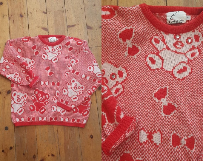 Gorgeous kawaii Vintage 80s 1980s Novelty Knit Red Teddy Bear Sweater Jumper One Size Diamonte Trim slouchy cote a cote