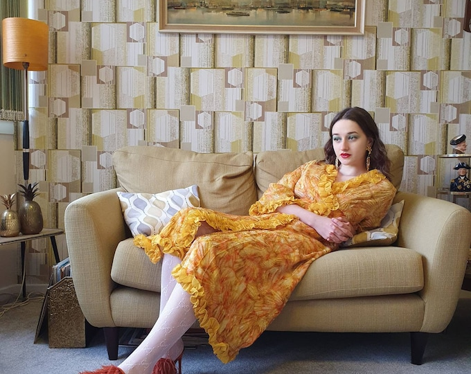 Magnificent Vintage 70s 1970s Yellow  Textured Devore Velvet Cocktail Dress  Negligee - house coat - Bell sleeves and pretty yellow ruffle M