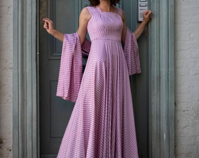 Gorgeous Vintage 1950s 50s Dior-style Pink Lilac Satin Evening cocktail Maxi Dress Gown and stole wrap. Classic. So elegant. Size S M