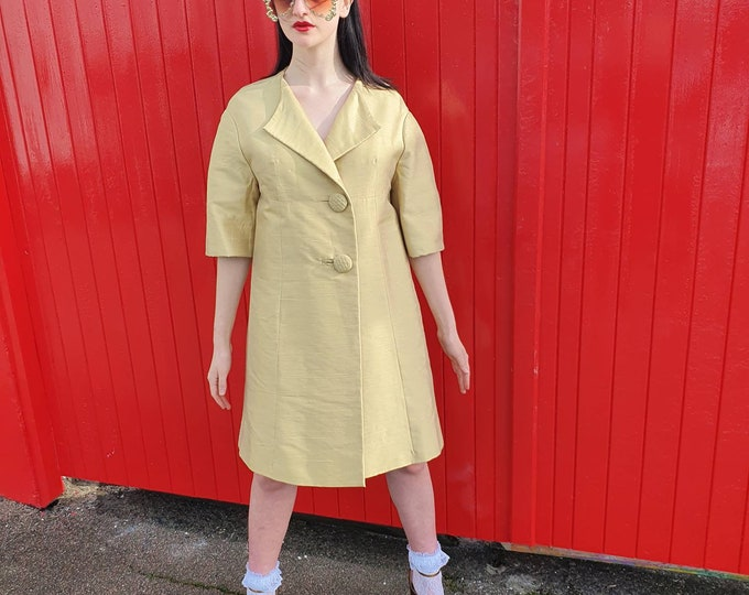 Vintage Late 50s Early 1960s 60s Couturier Jo Mattli Shantung Silk Dress Coat Buttermilk Yellow S M L  Ready To Wear Mod