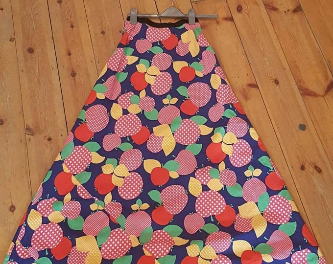 Novelty print vintage 70s 1970s vtg a line MAXI skirt s 26 waist