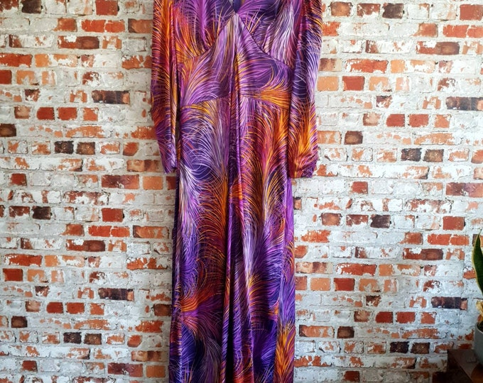 "Vibrant Vintage 1970s 70s ""Feather"" print Purple Orange Maxi Hostess long sleeved Dress Full Skirt M L 14"