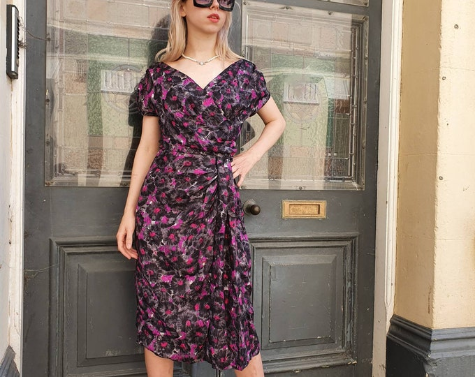 Vintage 1950s 50s Early 1960s  Grey and pink Floral Print Wiggle Silk Dress.S