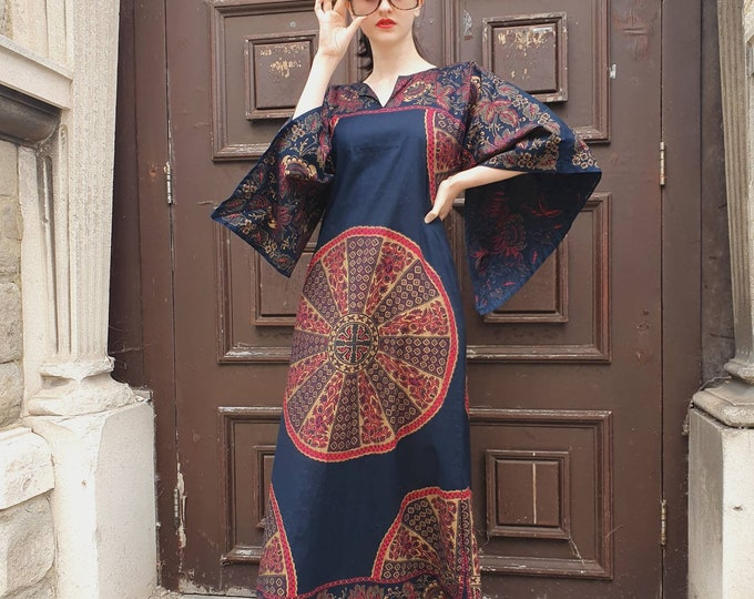 Beautiful Vintage Hippie Boho 1970s 70s Cotton Metallic Java Print Maxi Kaftan Dress with Wizard Sleeves S M