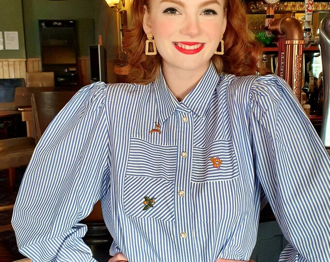 Vintage 1990s 90s Embroidered Cotton Alpine Folk Blouse Puff sleeves and Shoulders M L