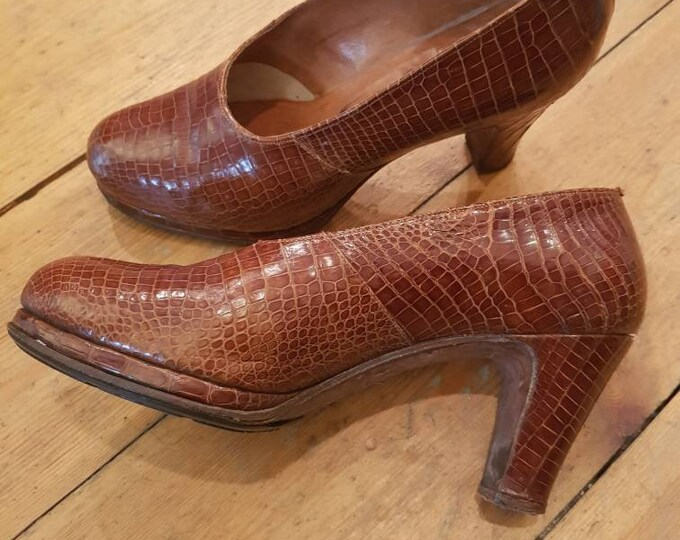 Vintage 1940's 40s High Heel Platformed Court Shoe Tan  Crocodile Leather Size 6
