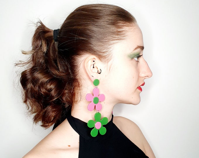 Oversized Mod Quant 60s Style Lime Green and Pink Daisy Earrings