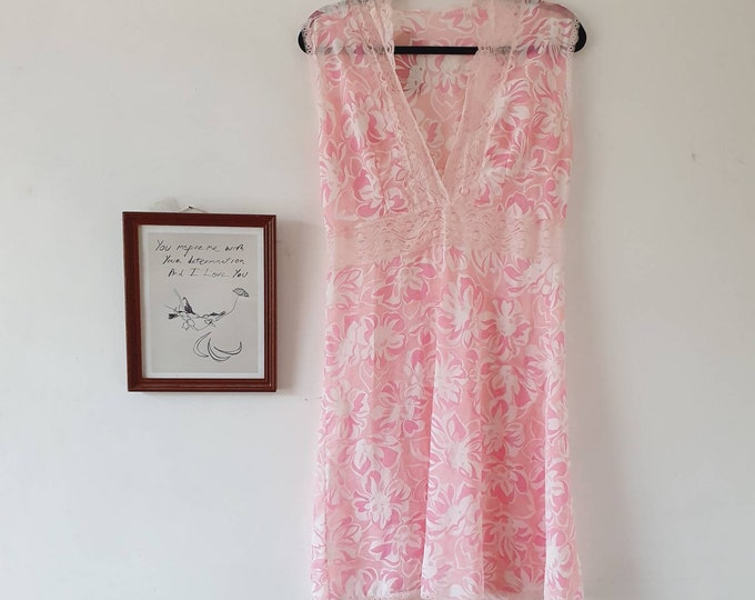 Pretty Vintage Sheer Peekaboo 1970s Pink and White Floral Baby Doll Nightdress Dress Lace Waistband M L