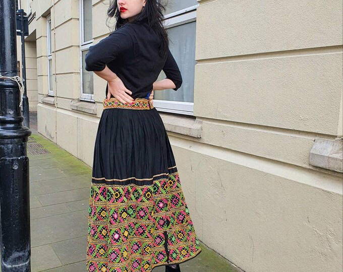 Beautiful Vintage 1970s 70s Banjara Indian Black Cotton Embroidered Mirror Midi Skirt S M Drawstring Waist