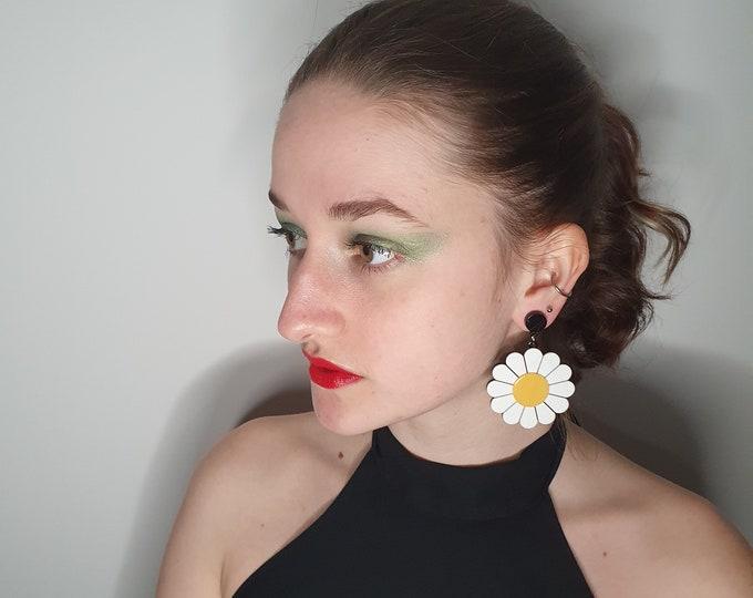 Oversized Acrylic 1960s Style  Daisy Earrings for pierced ears.