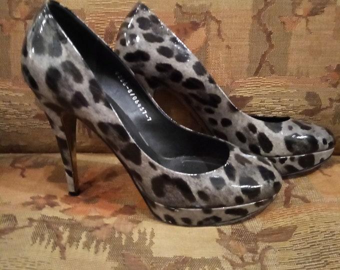 Y2k Gina Grey Leopard Print Leather Platform Heels size 7b Heels
