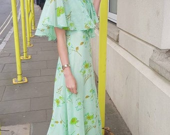 Pretty caped vintage 70s Shelana floaty Green Floral 30s style maxi Dress S