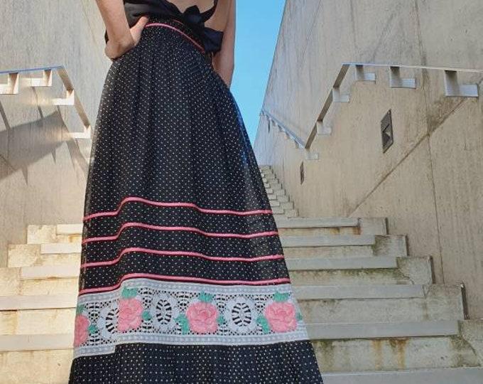 Pretty Floral Vintage VTG Folk Prairie Cottagecore 1970's 70s A-line Maxi Skirt UK size 10 S Cotton Mix Crochet Trim