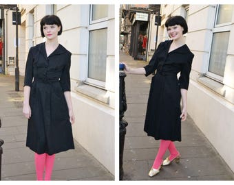 Vintage 1950s 50s belted Black Shirt waister dress with pockets xs s LBD