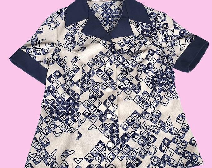 Vintage 1970's 70's Mod Short Sleeve  White and Blue Geometric  Print Crimplene Short Blouse 40 inch Bust M L