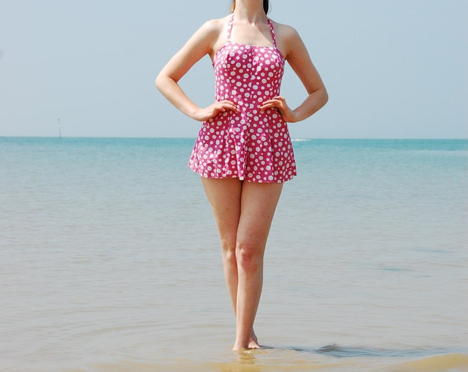 Stunning 1950's Polka Dot Two Piece Beach Suit / Swimming Costume Pin up