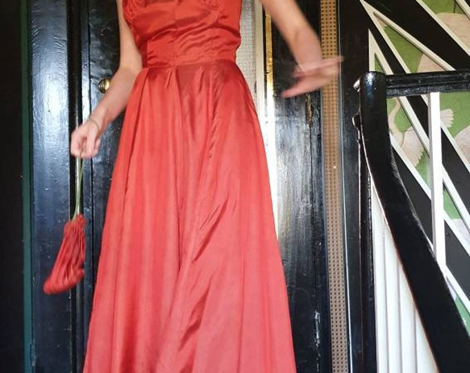 Vintage 1940s 40s Rust Coloured Taffeta Fitted Halterneck Full Length Gown Dress with Full Maxi Skirt and Matching  Bag XS S UK 8