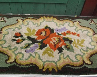 Lovely Antique Wool Throw Rug